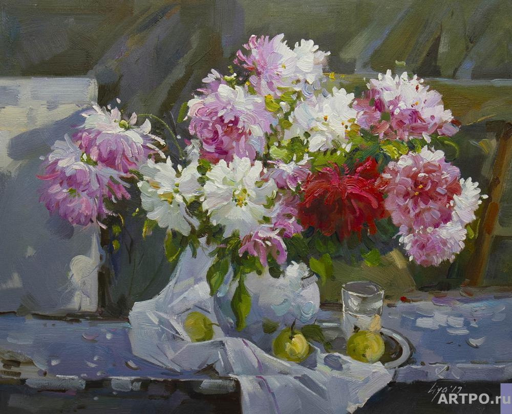 Gomes Liya. Still life with peonies, pear and apples