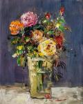 Bouquet of roses in a glass vase
